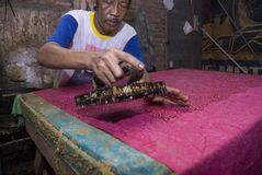 SMOG BATIK MAKING Royalty Free Stock Photography