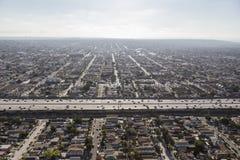 Smog centromeridionale di Los Angeles ed antenna di movimento scomposto Fotografia Stock Libera da Diritti