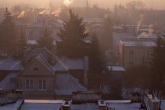 Smog in der Winterzeit in Warschau, Polen lizenzfreie stockbilder