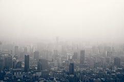 Smog i Shanghai royaltyfria foton