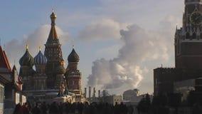 Smog i staden i Moskva arkivfilmer