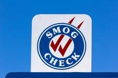 Smog-Kontrollzeichen stockbild