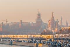 Smog in Moskau, Russland Donnerstag, Nov. 20, 2014 Wetter: Sun, s lizenzfreies stockfoto