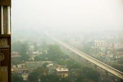 Smog sopra il gurgaon di Delhi di noida di mattina Fotografia Stock