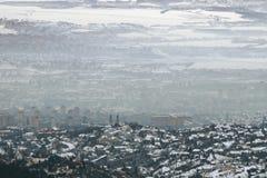 Smog sopra una città, vista aerea Fotografie Stock