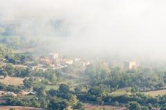 Smog in Valdenoceda lizenzfreie stockfotos