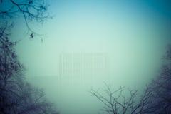 Smogläge i staden dimma Arkivbild