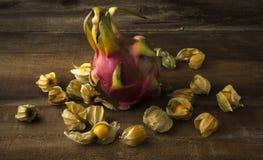 Smoków agresty i owoc Zdjęcie Stock