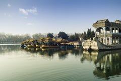Smok łodzie w lato pałac Obrazy Royalty Free
