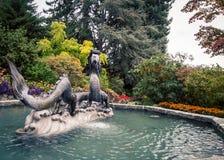 Smok fontanna w parku obrazy royalty free