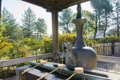 Smok kształtował fontannę w dziejowym Horyu Ji Fotografia Royalty Free