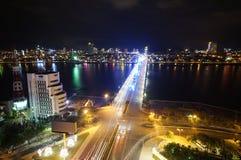 Smok nocy da nang Wietnam bridżowy Apec 2017 Obrazy Royalty Free