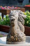 Smok rzeźba w fontannie obraz stock
