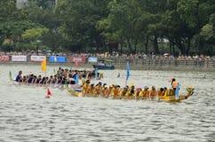 Smoka Łódkowaty Ścigać się w Hong Kong 2013 obraz royalty free