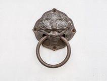 Smoka kierowniczy drzwiowy knocker Fotografia Royalty Free