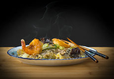 Smoke asia glass noodles, prawn and vegetables Stock Images