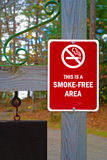 Smoke-free sign on post Royalty Free Stock Image