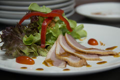 Smoked duck and fresh vegetable salad Royalty Free Stock Images