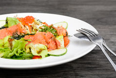 Smoked salmon balsamic vinegar salad Royalty Free Stock Photos
