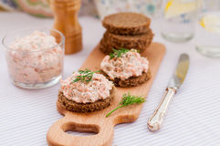 Smoked Salmon, Cream Cheese, Dill and Horseradish Pate on Rye Br Royalty Free Stock Photography