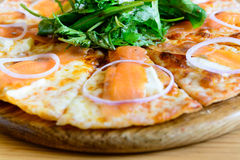 Smoked salmon pizza Royalty Free Stock Images