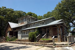 Smokehouse da casa da montanha imagens de stock royalty free