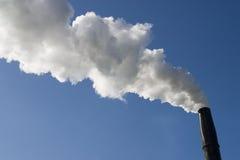 Smokestack z zanieczyszczeniem obrazy stock