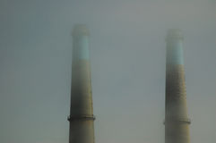 smokestacls тумана стоковые фото