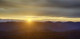 Smokey berg Fotografering för Bildbyråer
