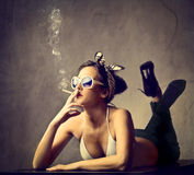 Smoking beauty Royalty Free Stock Images