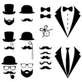 Smoking do ` s dos homens Bigode, vidros, barba, tubulação e chapéu alto Fotografia de Stock