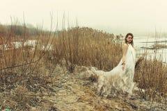 smokingowa biała kobieta Zdjęcia Stock