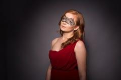 smokingowa elegancka czerwona kobieta Fotografia Stock