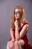 smokingowa elegancka czerwona kobieta Zdjęcie Royalty Free