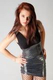 smokingowa seksowna krótka kobieta Fotografia Royalty Free