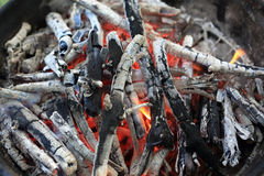 Smoldering coals Royalty Free Stock Photography