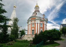 Smolensk kyrka av den heliga Treenighet Lavra av St Sergius royaltyfri fotografi