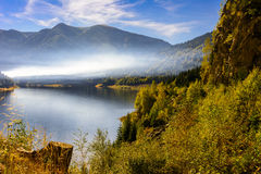 Smooke över sjön Arkivfoton
