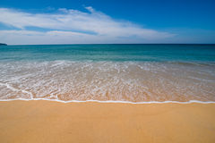 Smooth wave on the beach Royalty Free Stock Photography