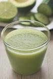 Smoothie авокадоа огурца светло-зеленый Стоковая Фотография