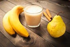 Smoothie банана и груши Стоковые Изображения RF
