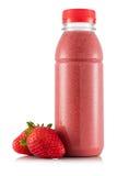 Smoothie в пластичной бутылке Стоковые Фотографии RF