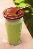 Smoothie замороженного зеленого чая или зеленого чая Стоковое Изображение RF