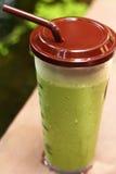 Smoothie замороженного зеленого чая или зеленого чая Стоковые Фотографии RF