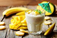 Smoothie манго банана Стоковые Фото