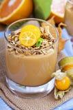 Smoothie тыквы с granola на верхней части Стоковое Фото