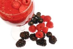 smoothie ягоды смешанный стоковые фото