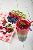 Smoothie ягоды лето коктеила свежее Стоковые Фото