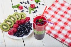 Smoothie ягоды лето коктеила свежее Стоковое Изображение RF