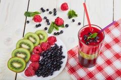Smoothie ягоды лето коктеила свежее Стоковое фото RF